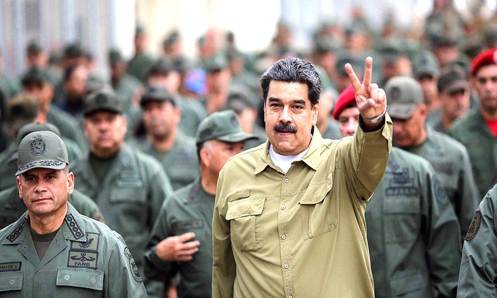 Maduro pide entregar 13 mil fusiles a cuerpos combatientes