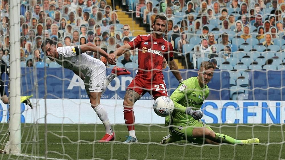 El Leeds de Bielsa venció al Fulham y sueña con el ascenso -